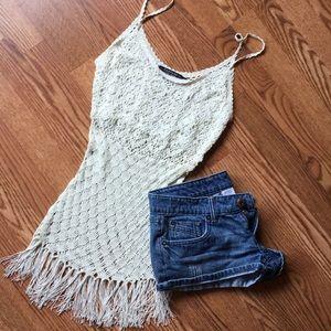 NWOT Beautiful crochet tassel top